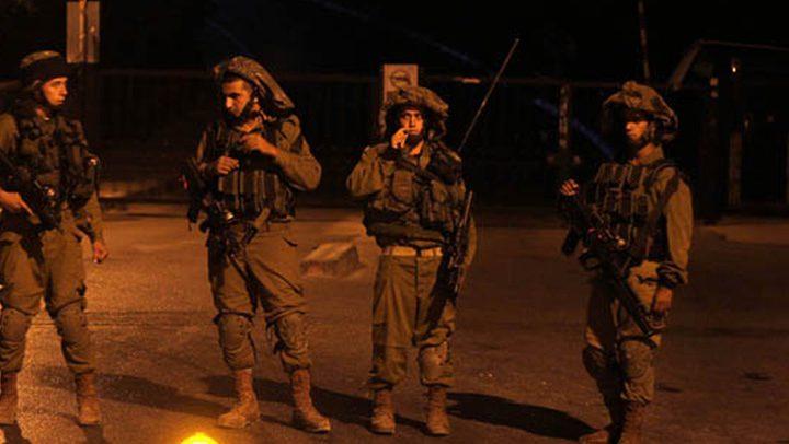 الاحتلال يقتحم قراوة بني حسان ويفتش منازل فيها