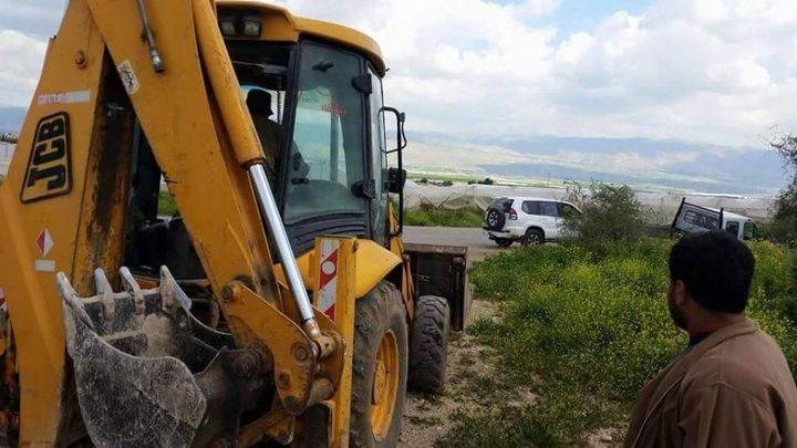 مواصلة أعمال تجريف أراضٍ في قرية كردلة بالأغوار لأغراض استيطانية