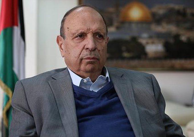 الحسيني: الرئيس أظهر حنكة سياسية بالتعامل مع العالم بشأن قضيتنا