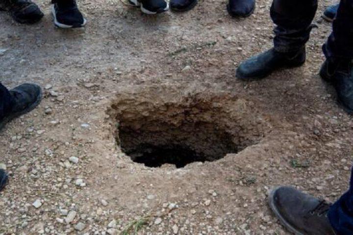 رسائل جديدة من الأسيرين العارضة و معلومات حول حفر النفق