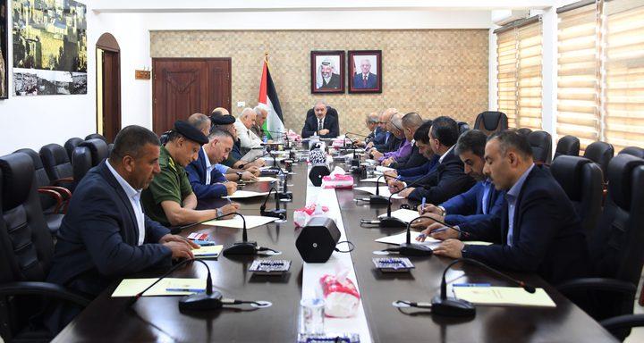 اجتماع لقادة المؤسسة الأمنية في الخليل وتوصية بتلبية احتياجاتها