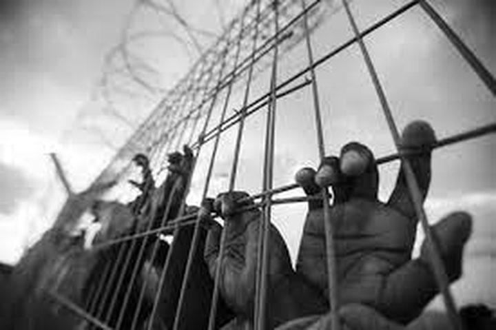 سبعة أسرى مضربين عن الطعام رفضاً لاعتقالهم الإداري