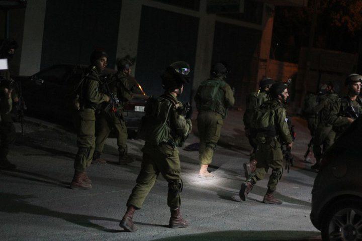 الاحتلال يعتقل خمسة مواطنين من القدس