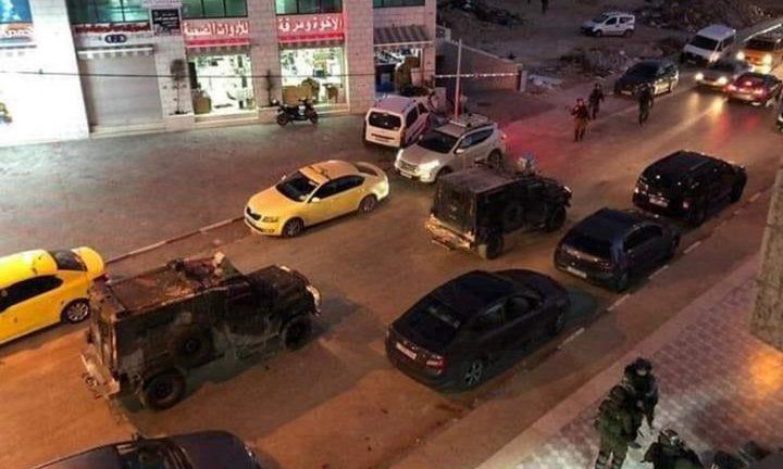 إصابات بالاختناق خلال اقتحام الاحتلال حي المصايف في رام الله