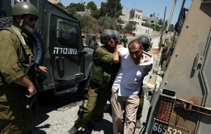 الاحتلال يعتقل مواطنين من بيتا جنوب نابلس
