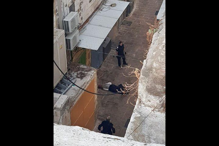 الاحتلال يماطل في تسليم جثمان الشهيدة إسراء خزيمية