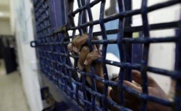 الأسير حسن شوكة يُعلّق إضرابه عن الطعام داخل سجون الاحتلال
