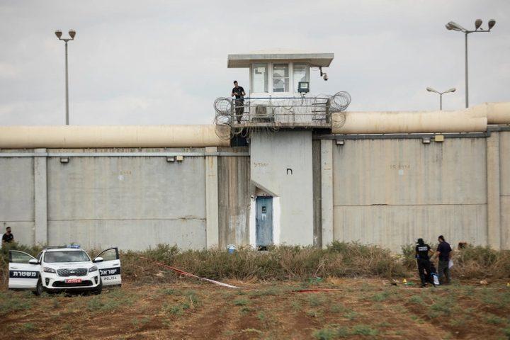 حمدونة: كاميرات الاحتلال في السجون تشكل انتهاكاً لخصوصية الأسرى