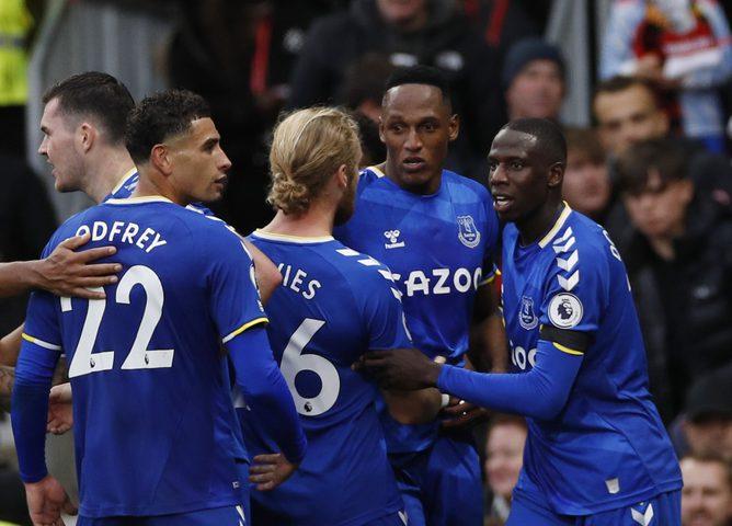 إيفرتون يفرض التعادل على مانشستر يونايتد
