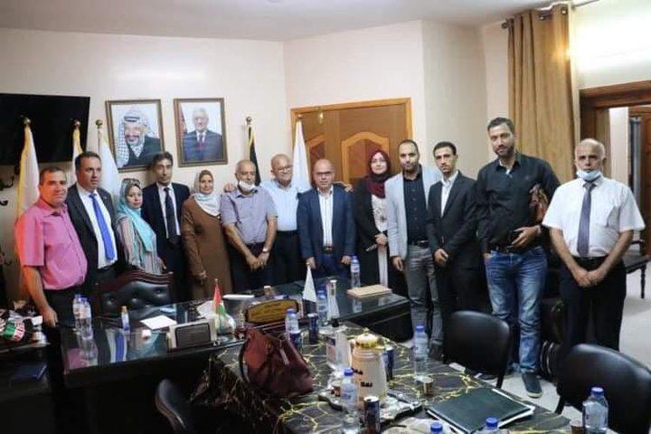 اللجنة الوطنية تعقد اجتماعاً مع مؤسسات وجمعيات ثقافية في غزة
