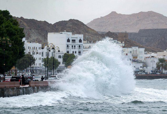 """سلطنة عًمان تفعل خطة الطوارئ لمواجهة إعصار """"شاهين"""""""