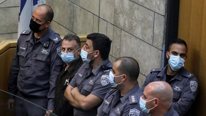 """الهيئة: الاحتلال يحتجز الأسير يعقوب قادري في عزل """"ريمونيم"""""""
