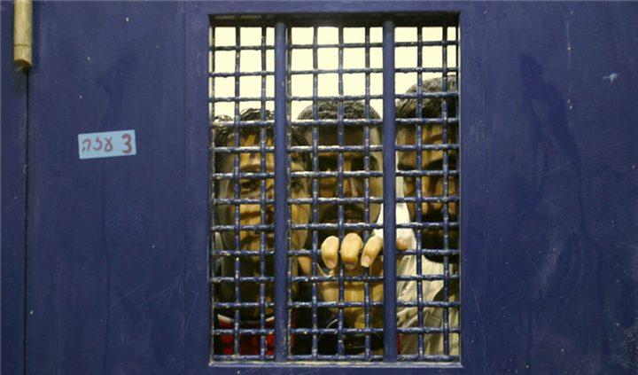 الأسرى في سجون الاحتلال يعلنون العصيان ويتوافقون على برنامج نضالي