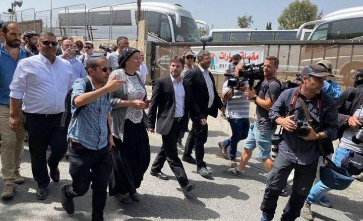 القدس:مئات المستوطنين يقتحمون مقاما بالشيخ جراح