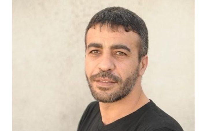 """""""هيئة الأسرى"""" تحذر من تدهور الوضع الصحي للأسير ناصر أبو حميد"""