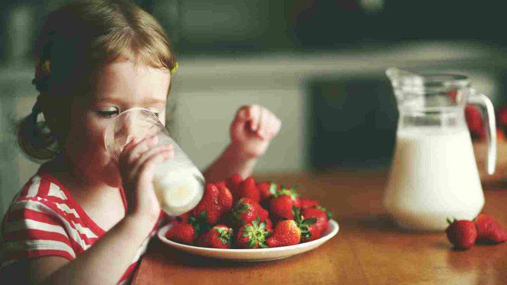 خطر تناول الأطفال لحليب البقر ومنتجات الألبان