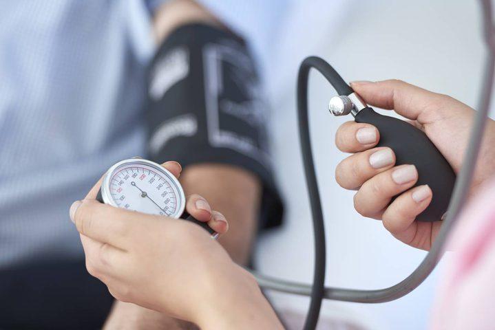 ما هي خطورة ارتفاع ضغط الدم في سن الثلاثينيات و الأربعينيات ؟