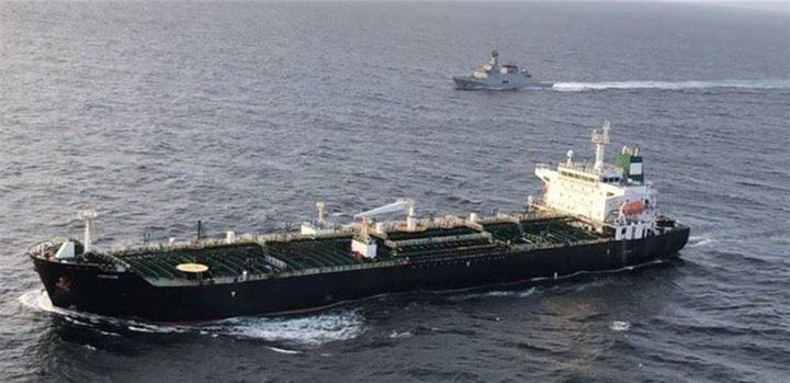 ناقلة الوقود الإيرانية الثالثة للبنان تصل بانياس في سوريا