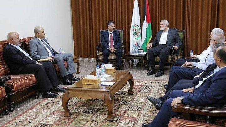 وفد حماس بالقاهرة برئاسة هنية يلتقي عباس كامل