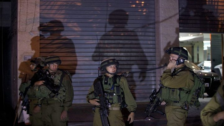 بيت لحم: اعتقال ثلاثة مواطنين من مخيم العزة