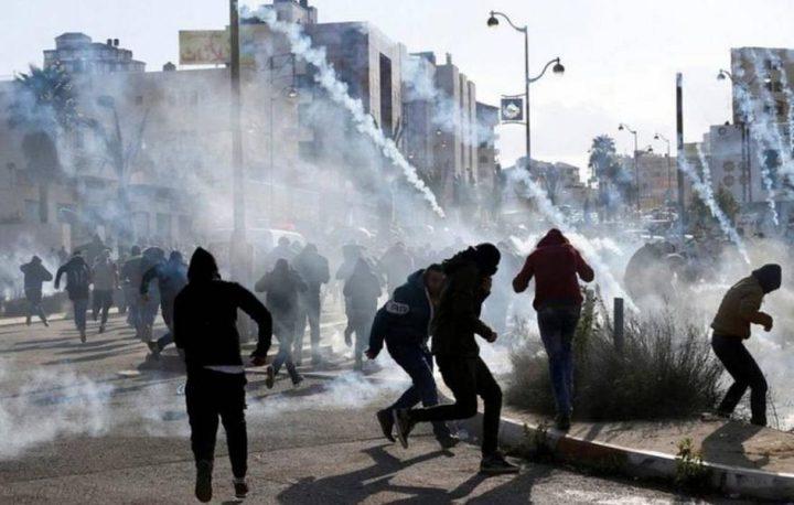إصابات بالرصاص والاختناق بمواجهات مع الاحتلال في بيتا وبيت دجن
