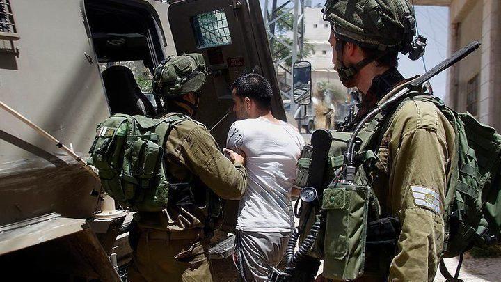 الاحتلال يعتقل 4 فتية وشابا في القدس