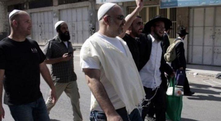 مستوطنون يحطمون مركبات مواطنين في بيت إكسا شمال غرب القدس