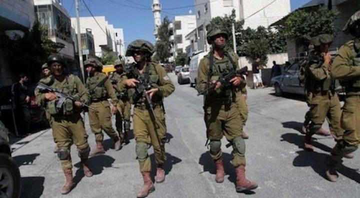 الاحتلال يقتحم قرى غرب جنين ويستجوب المواطنين