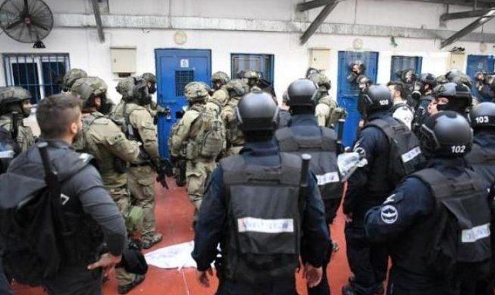 توتر في سجن عسقلان بسبب مماطلة الاحتلال بعلاج الأسير أبو حميد