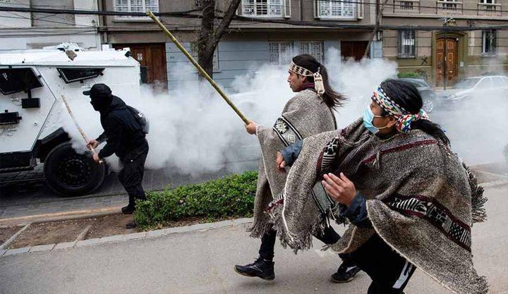 مواجهات بين الشرطة والسكان الأصليين في تشيلي