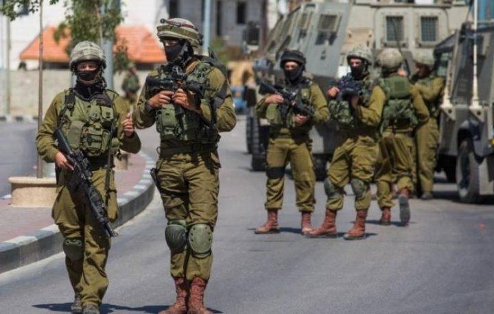 الاحتلال يداهم منزل مواطن في بلدة تقوع شرق بيت لحم