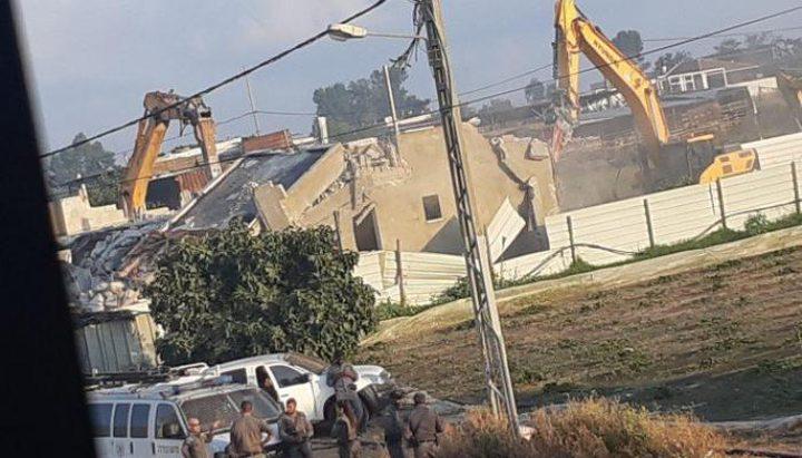 الاحتلاليهدم منزلا في قلنسوة بأراضي 48